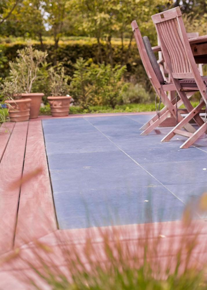 arbrecreation terrasse bois et pierre bleue mixte creation ...